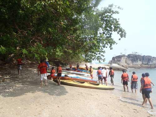 Team Building at Teluk Batik: Canoeing
